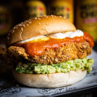 🇲🇽 The Mexican Bird 😋 This bird is coated in a nacho crumb for that extra crunch! Fresh guacomole, sour cream & Sweet jalapeno sauce! YUM!!! Order today at HotChix.ie #YourBreastFriend #HotChix #ButtermilkBird #MexicanBird #ButtermilkChicken #DublinFoodie